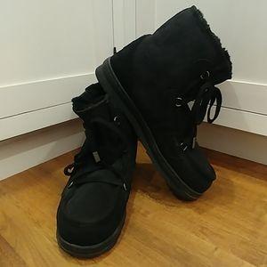 Men's EMU Australia Black Sheepskin CHUKKA Boots